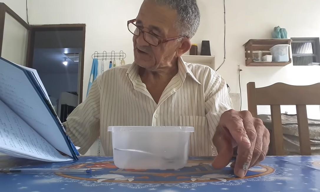 """No início do ano, Nilson Izaias, conhecido como o """"vovô do slime"""", ganhou a Internet Foto: Reprodução Youtube"""