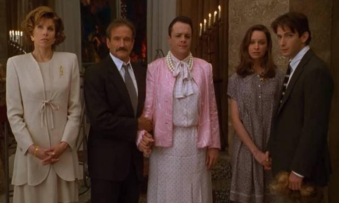 Em 1996, musical ganhou sua segunda versão para o cinema, com Robin Williams e Nathan Lane Foto: Reprodução