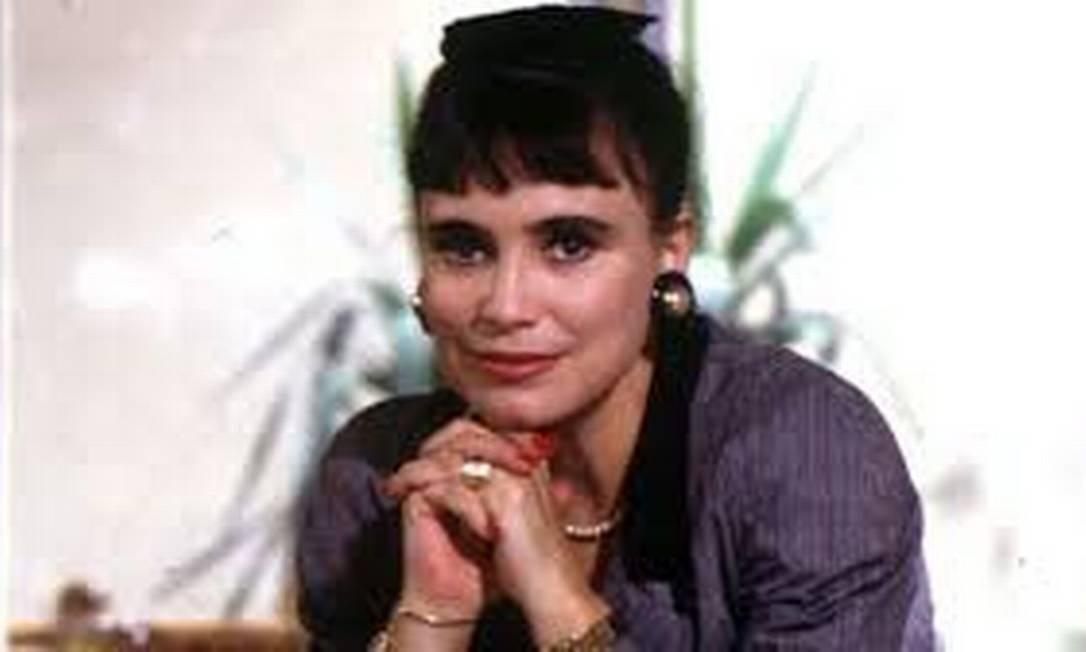 Em 'Rainha da Sucata' (1990), Regina vivia Maria do Carmo, que enriquece com os negócios do pai, vendedor de ferro-velho, mas é esnobada pela aristocracia Foto: Divulgação