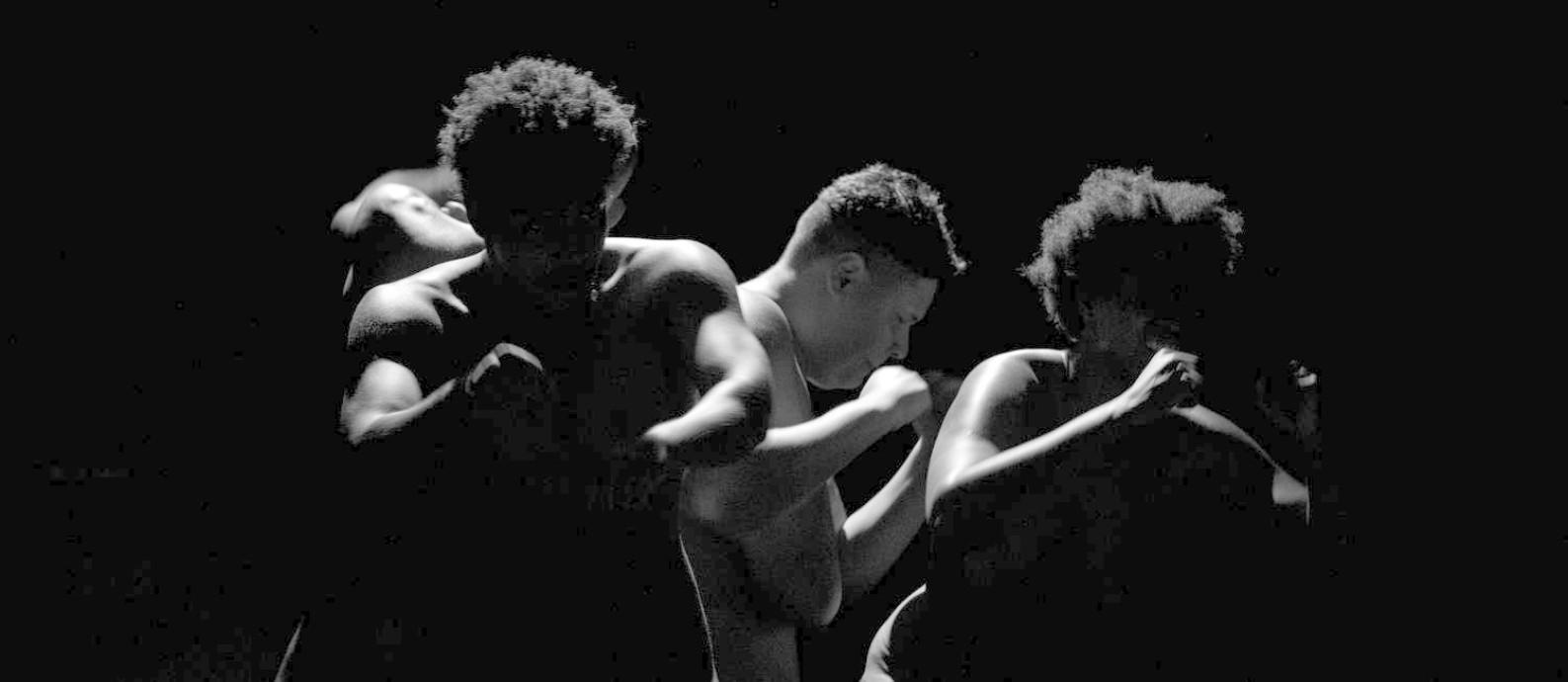 O elenco de 'Isto é um negro?', que já soma 150 apresentações Foto: Divulgação/Rodrigo de Oliveira
