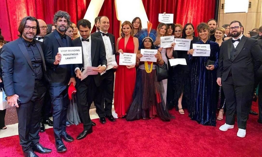 """Equipe de """"Democracia em vertigem"""" faz protesto em cerimônia do Oscar Foto: Reprodução Twitter"""