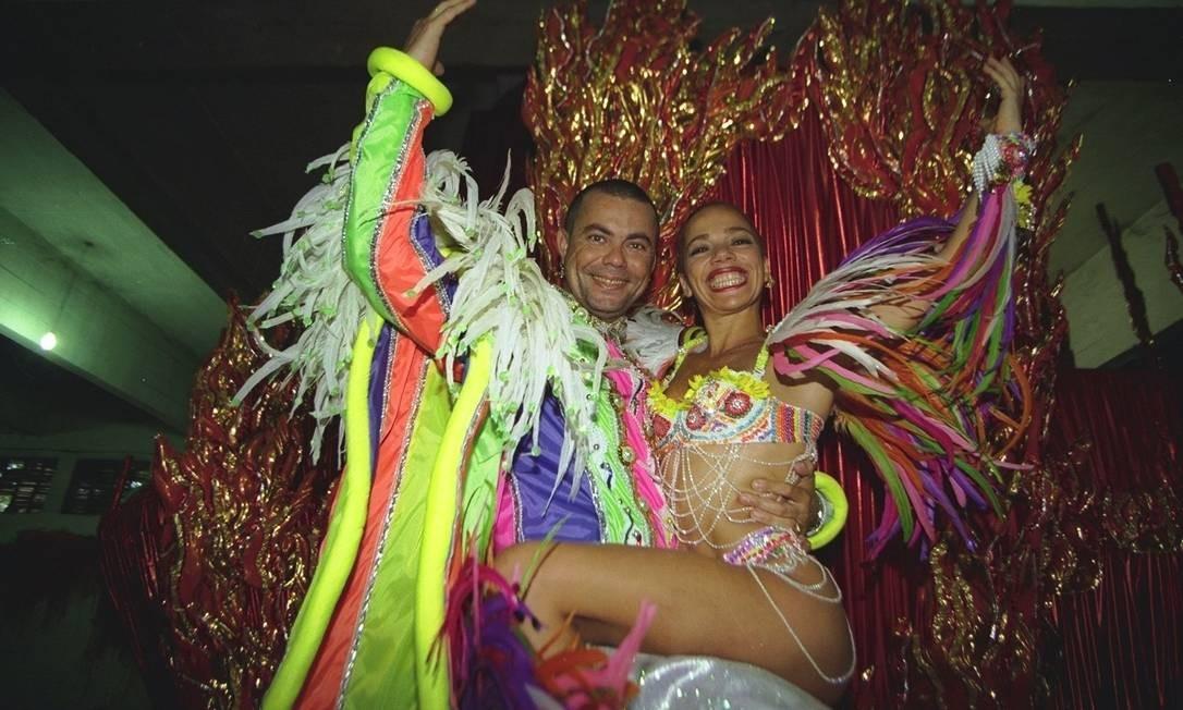 Hoje figurinha fácil na TV, Milton já era conhecido pela extravagância durante os 20 anos em que atuou como carnavalesco Foto: Carlos Ivan / Agência O Globo