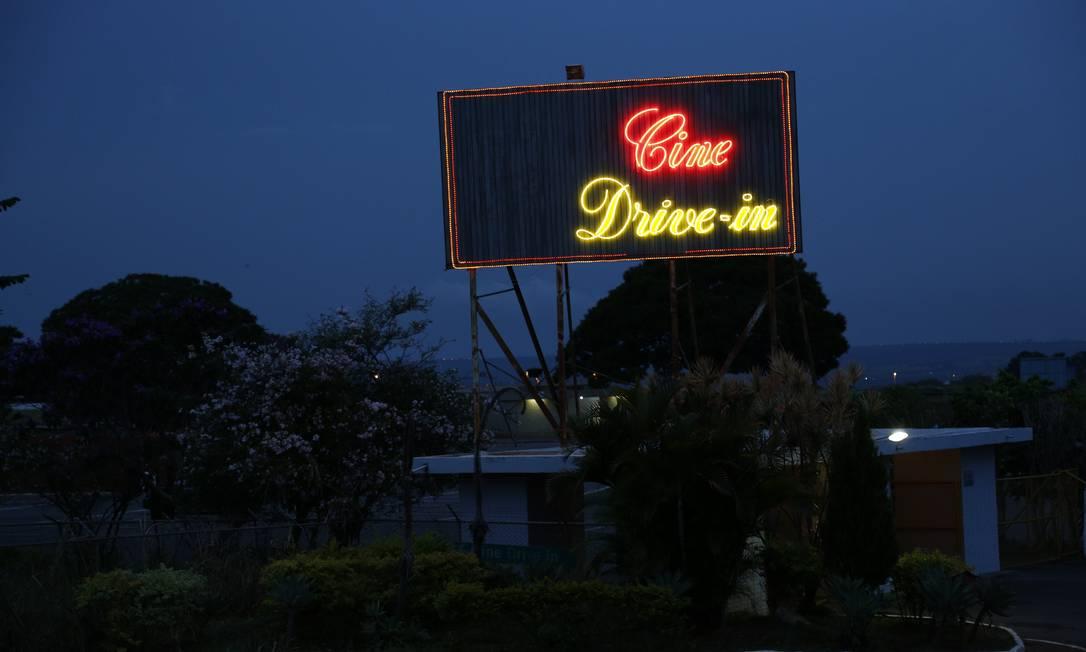 Com 46 anos de história, o Cine Drive-In, em Brasília, teve de suspender a programação por causa da pandemia Foto: Divulgação