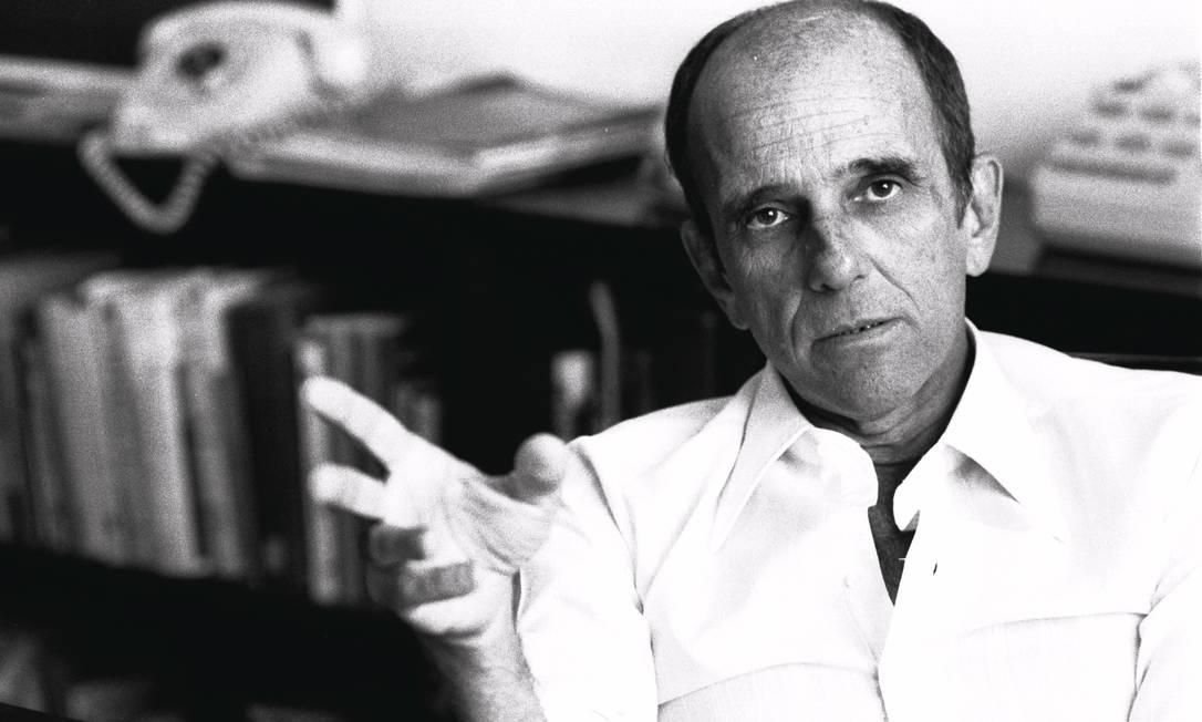 Rubem Fonseca em 1975: considerado por muitos o maior contista do país Foto: Paulo Moura