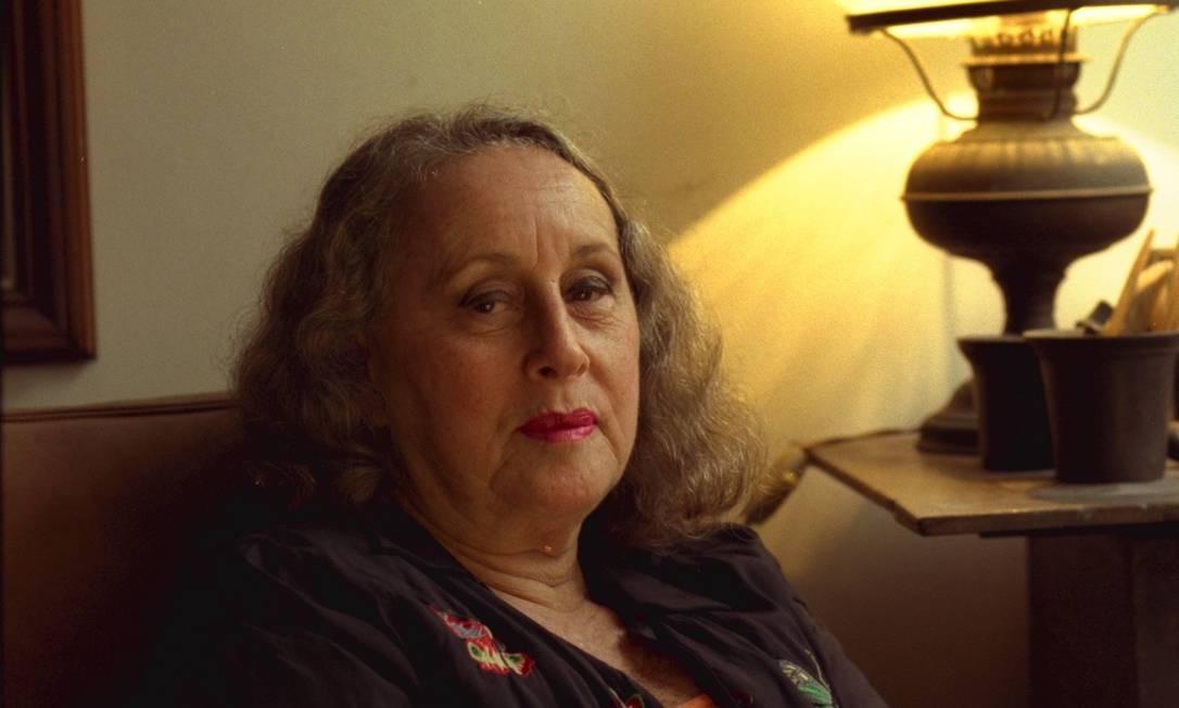 A escritora Olga Savary, em foto de 1998 Foto: Marco Antônio Cavalcanti / O GLOBO