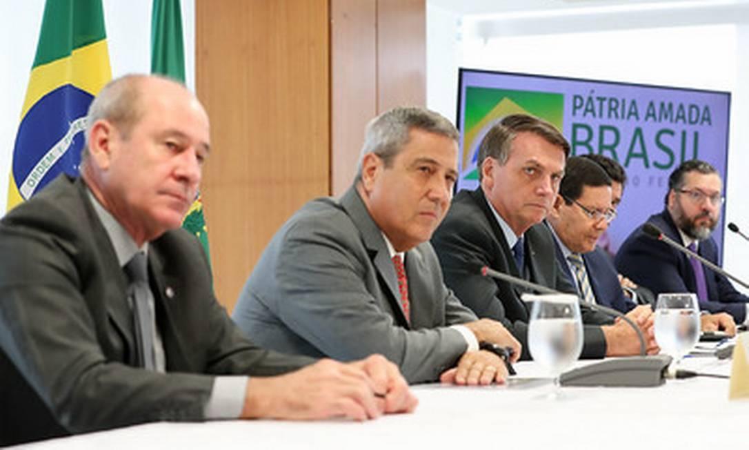 Bolsonaro em reunião com ministros no dia 22 de abril Foto: Marcos Correa / divulgação