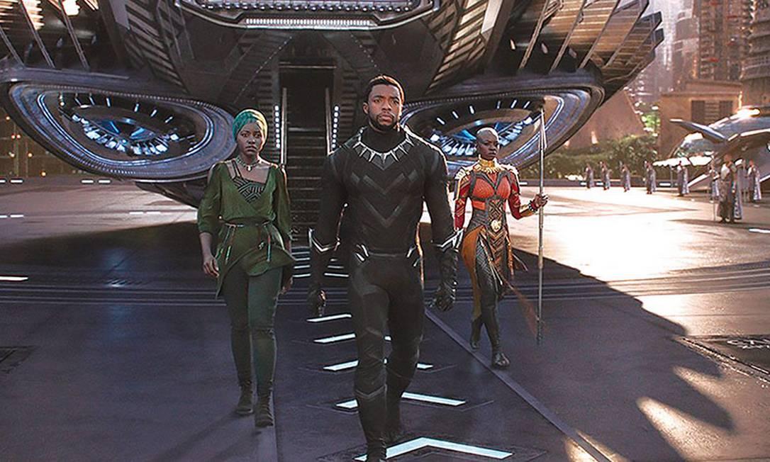 Chadwick Boseman em 'Pantera Negra', filme que o consagrou: ele estava escalado para a continuação do longa, mas filmagens ainda não haviam começado Foto: Divulgação