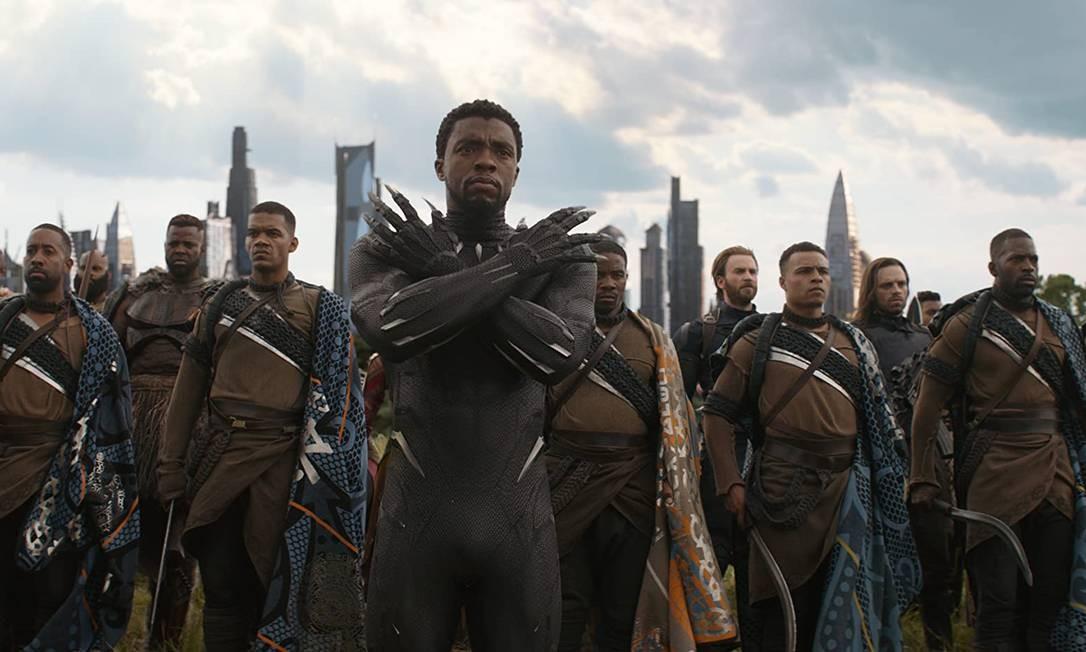 Em 'Vingadores: guerra infinita' (2018) lançado meses depois, ele volta à pele do Pantera Negra, unindo-se aos outros super-heróis da Marvel para combater o supervilão Thanos Foto: Divulgação