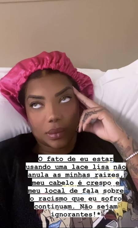 Ludmilla desabafou no Instagram sobre comentários de seguidores invalidando seu discurso por estar utilizando peruca lisa Foto: Instagram / Reprodução