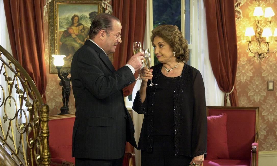 Eva Wilma em cena como Lucrécia Borges, na novela 'Começar de novo' (2004) Foto: João Miguel Júnior / Rede Globo/Divulgação