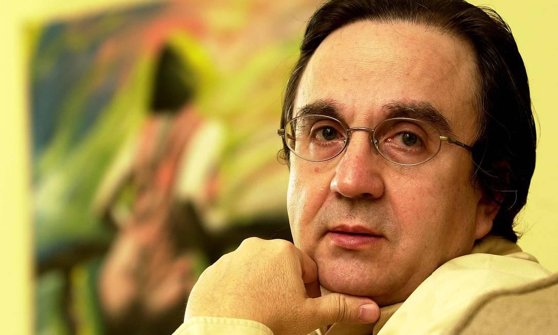 O cineasta Paulo Thiago, em registro fotográfico feito em 2002 Foto: Nelson Perez / Agência O Globo