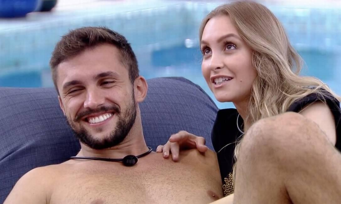 Arthur e Carla: atriz afirma que não está namorando o crossfiteiro Foto: Reprodução