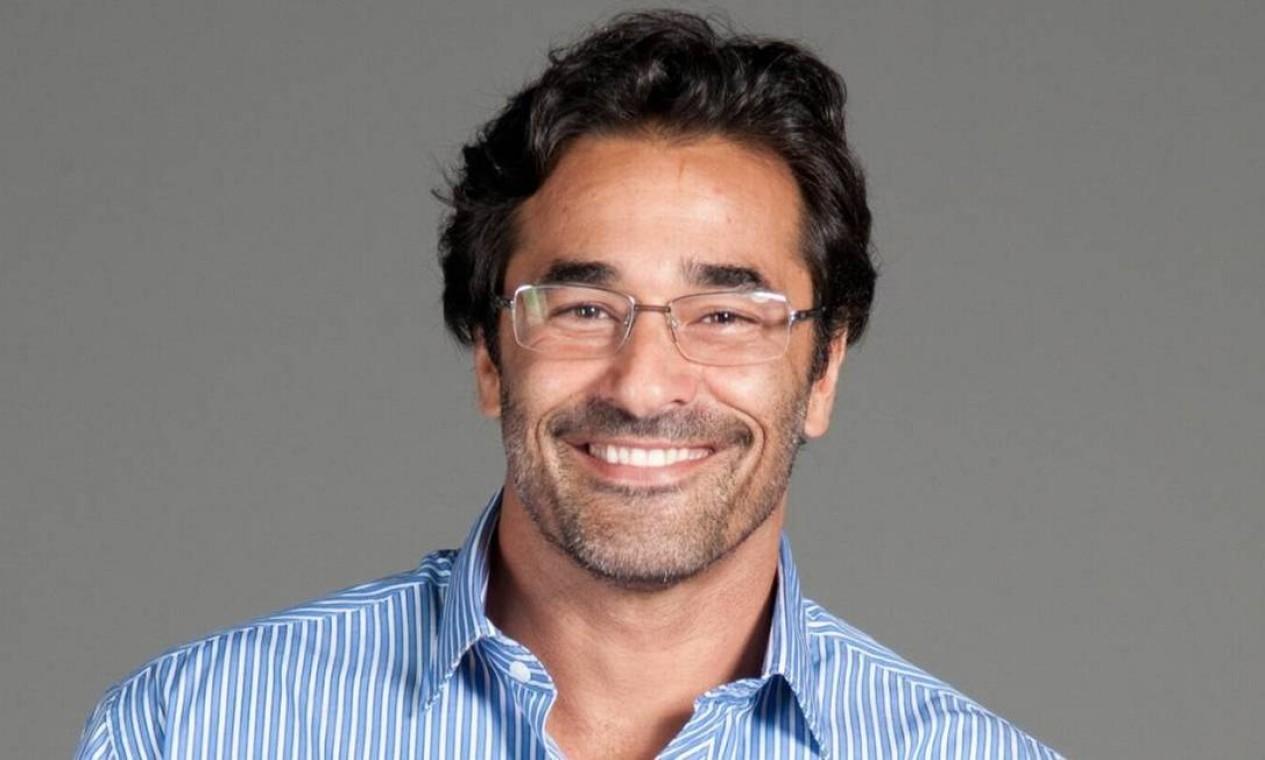 O ator Luciano Szafir dedica-se com mais afinco, nos últimos anos, à carreira de empresário: aparelhos eletrônicos e de internet são alguns dos itens com que trabalha Foto: Divulgação