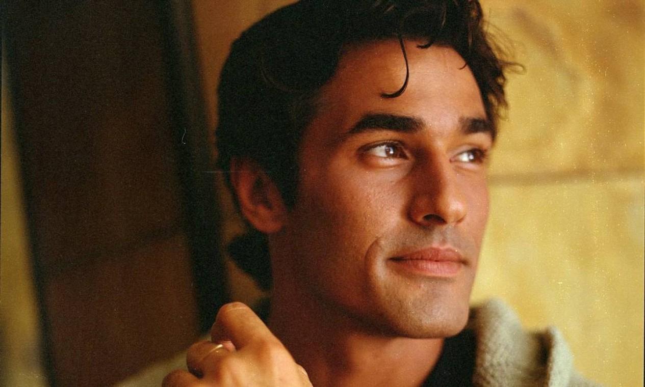 Luciano Szafir, em 1997: ator iniciou a carreira como modelo Foto: Aderi Costa / Agência O Globo
