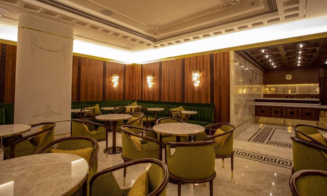 O café do Teatro Copacabana Palace: fechado desde 1994,endereço será reinaugurado em novembro de 2021 Foto: Ana Branco / Agência O Globo