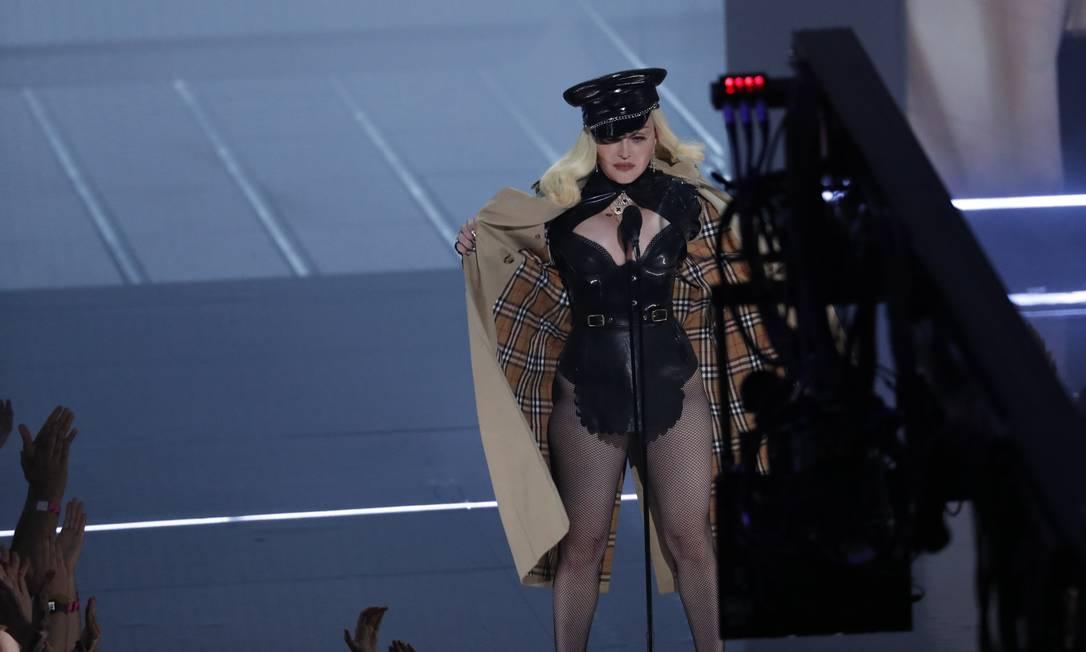 Madonna se apresenta durante VMA 2021, em Nova York Foto: MARIO ANZUONI / REUTERS
