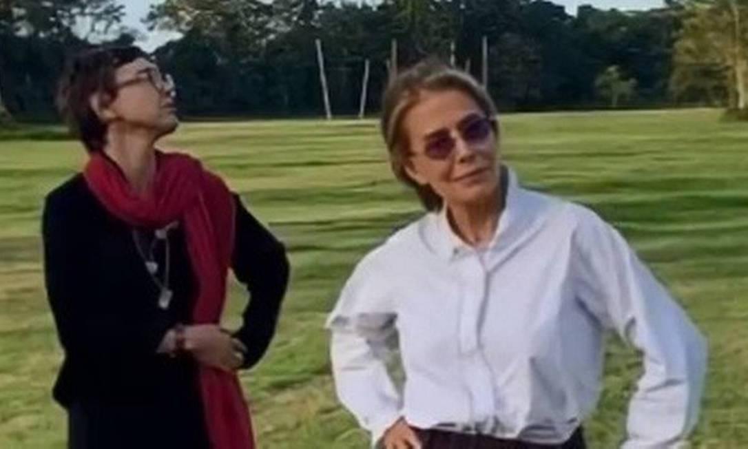 A cantora Adriana Calcanhotto e a atriz Maitê Proença Foto: Reprodução / Instagram