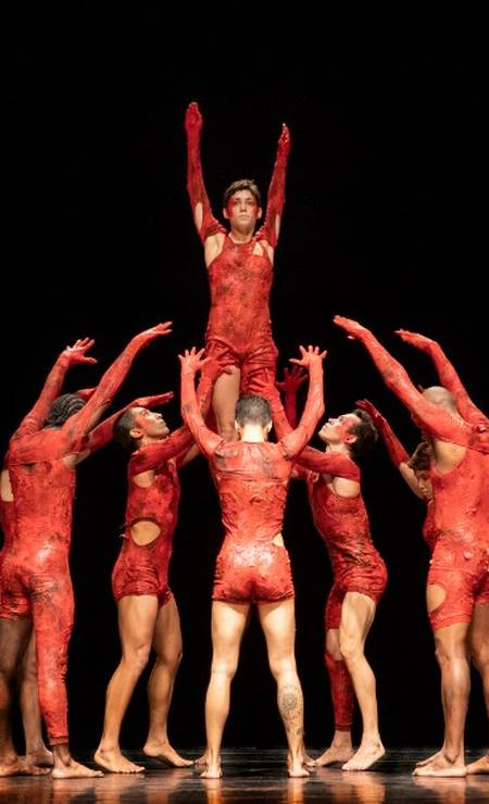 Cena do espetáculo 'Cura', da Companhia de Dança Deborah Colker Foto: Leo Aversa / Agência O Globo
