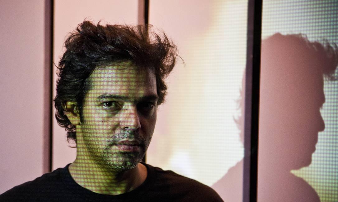 Bruno Mazzeo interpreta figuras cujos comportamentos representam uma crítica a uma sociedade pautada pelo exagero e pelo egoísmo Foto: Guito Moreto / Agência O Globo