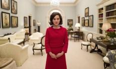 Natalie Portman caracterizada com Jackie Kennedy, no filme de Pablo Larraín Foto: Divulgação