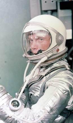 """O astronauta John Glenn, interpretado por Glen Powell em """"Estrelas além do tempo"""" Foto: Johnson Space Center / NASA"""