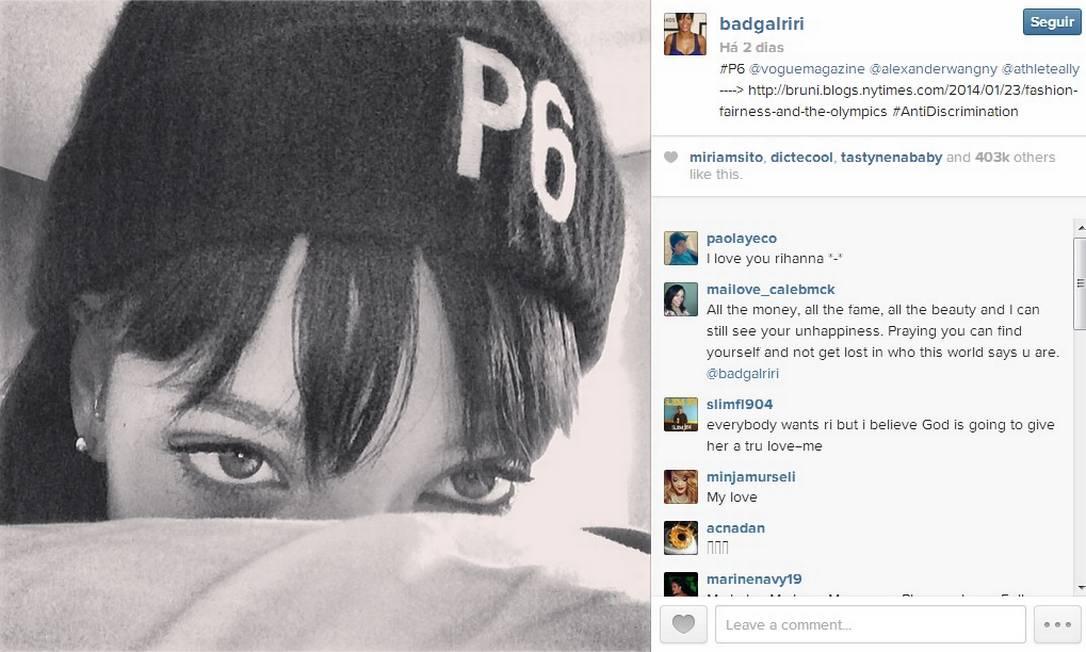Rihanna publica foto usando gorro da campanha Principle 6 Foto: Reprodução / Instagram