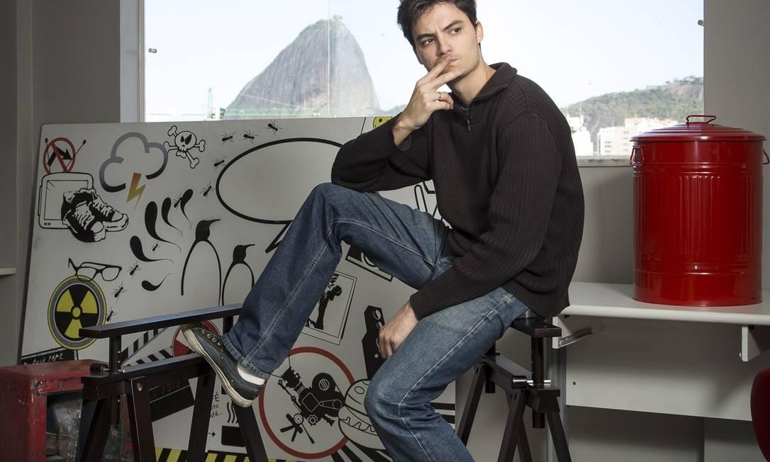 Felipe Neto na sede de sua produtora, a Parafernalha Foto: Agência O Globo/Leo Martins/27-09-2012