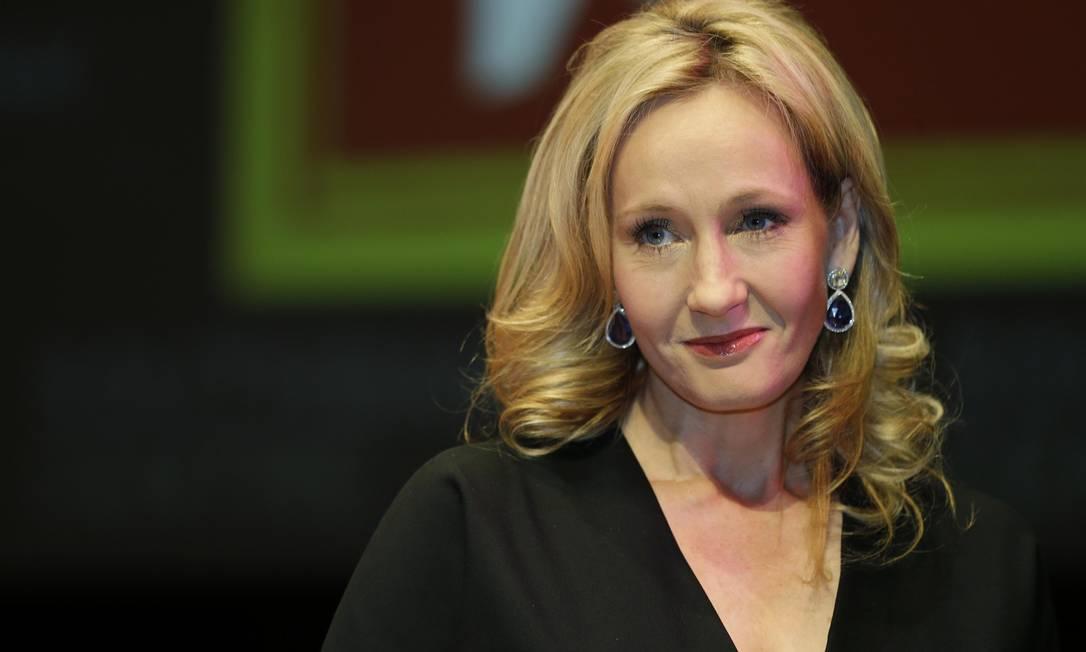 """Autora britânica J.K. Rowling durante coletiva de imprensa sobre seu livro """"Morte súbita"""", em Londres Foto: Lefteris Pitarakis / AP"""