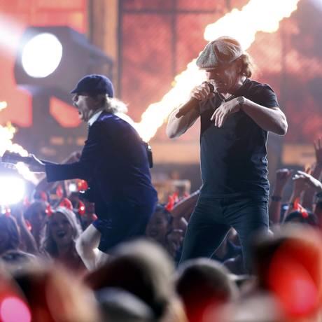 AC/DC performa na abertura do Grammy Awards Foto: REUTERS/LUCY NICHOLSON