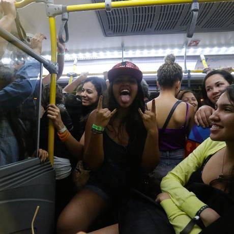 RI Rio de Janeiro (RJ) 21/09/2015 RIR Rock in Rio 2015, volta para casa no onibus do BRT. Foto Pablo Jacob / Agencia O Globo Foto: Agência O Globo