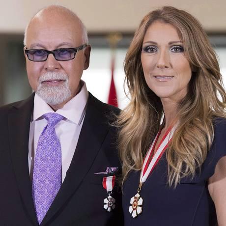 Celine Dion e o René Angélil, condecorados com a Ordem do Canadá, em 2013 Foto: Jacques Boissinot / AP