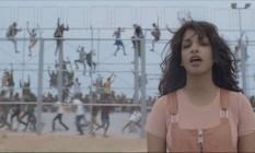M.I.A. em cena do clipe 'Borders', que chama atenção para a questão dos refugiados Foto: Reprodução