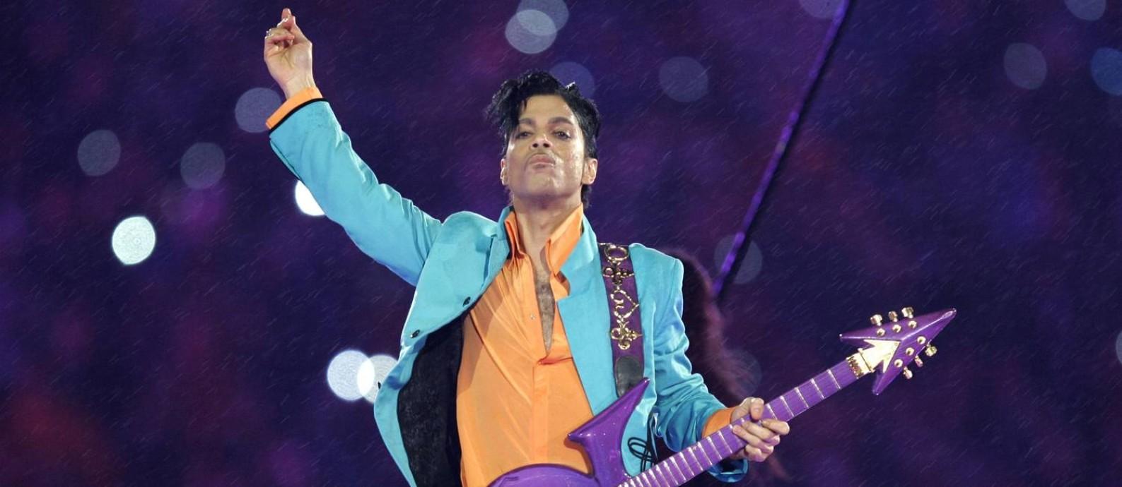 Prince, em apresentação no intervalo do Super Bowl, em 2007 Foto: Chris O'Meara / AP
