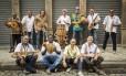 """Carlos Negreiros (atrás, no atabaque) e a Orquestra Afro-Brasileira lançaram discos como o raro """"Obaulayê!"""", de 1957 Foto: Barbara Lopes / O Globo"""