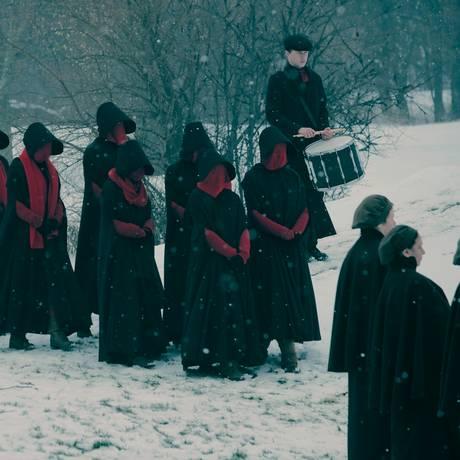 Cena da segunda temporada de 'The handmaid's tale': série é uma das favoritas do Emmy Foto: Divulgação