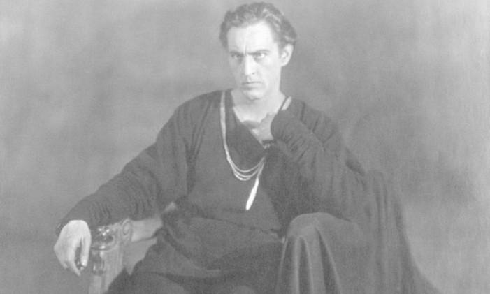 John Barrymore com o figurino que usou nos palcos Foto: Reprodução