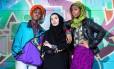 As atrizes Vanessa dos Santos, Humaira Wadiwala, Marilyn Nadebe, do elenco de 'Homegorwn'