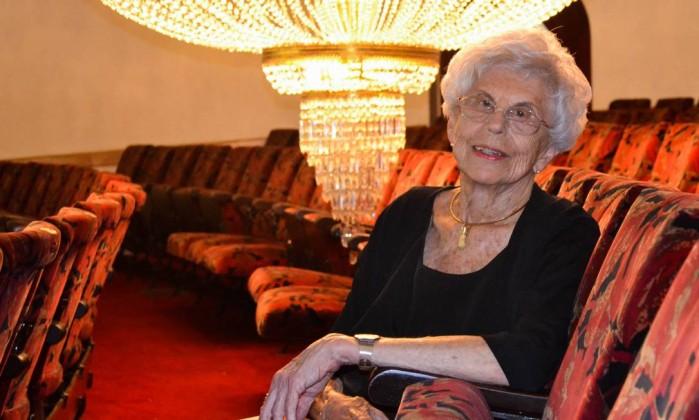 Eva Sopher recebe últimas homenagens em velório no São Pedro