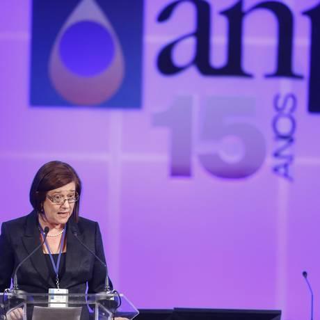 A diretora-geral da ANP, Magda Chambriard, durante leilão da área de Libra Foto: Fabio Rossi / Agência O Globo