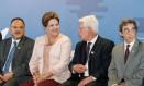 Dilma Rousseff e Moreira Franco na assinatura de contrato de concessão do Aeroporto Internacional Tancredo Neves Foto: Roberto Stuckert Filho/PR