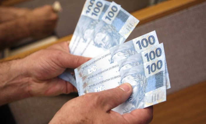 Quanto mais tempo se passa sem pagar as dívidas, mais difícil fica de quitá-las. Foto: Bloomberg News