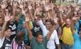 Vigilantes grevistas votam fim da paralisação em assembleia no Rio
