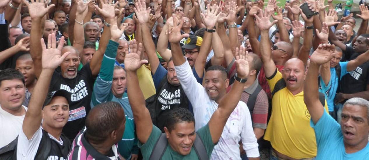 Vigilantes grevistas votam fim da paralisação em assembleia no Rio Foto: Divulgação SindVigRio