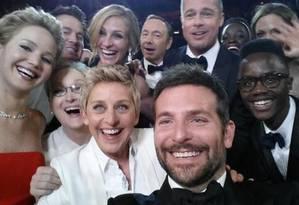 Usie mais famoso da história: Bradley Cooper, Ellen Degeneres, Angelina Jolie, Julia Roberts, Brad Pitt, Jennifer Lawrence, Kevin Spacey, Meryl Streep, entre outros. Foto: Facebook/Ellen Degeneres