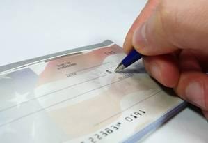 Inadimplência dos cheques mostra dificuldade do brasileiro para honrar as dívidas Foto: Reprodução da internet