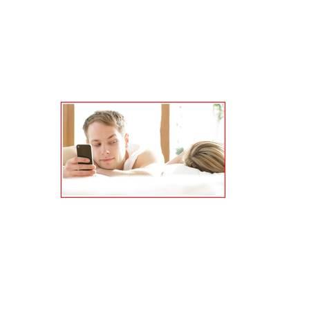 O smartphone e seus aplicativos têm sido poderosas ferramentas para parceiros e parceiras infieis dar suas escapadelas Foto: Reprodução
