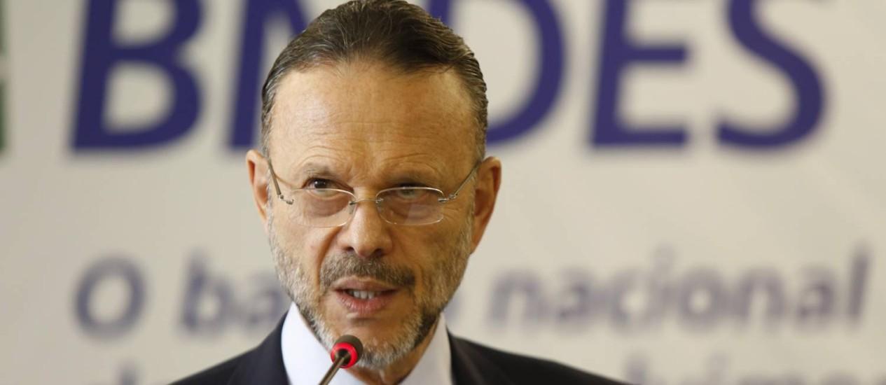 Luciano Coutinho, presidente do BNDES Foto: Ana Branco / Agência O Globo