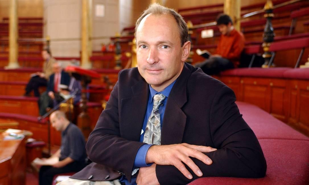 25.07.2005 - Divulgação / E mail - IE - Tim Berners-Lee, pai da internet e guru da web semântica.