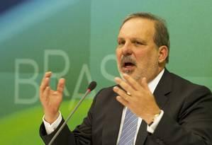 Ministro Armando Monteiro durante a 16ª reunião do Conselho Nacional de Desenvolvimento Industrial, em Brasília Foto: Jorge William / Agência O Globo