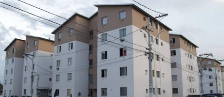 Condomínio do programa Minha Casa Minha Vida em São Gonçalo, região metropolitana do Rio Foto: Fabio Guimaraes / Agência O Globo